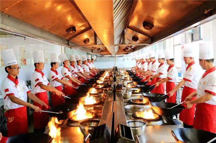河北石家庄的厨师烹饪技校是哪家哪个厨师技校管理严的厨师技校是哪家