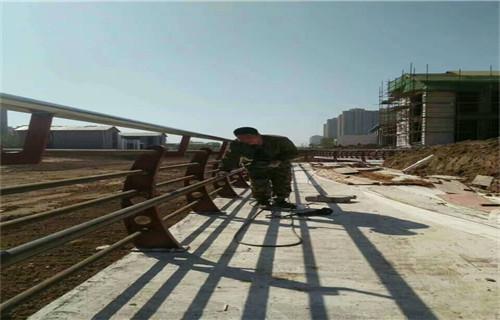 阳江304不锈钢碳素钢复合管河道护栏哪里有加工的