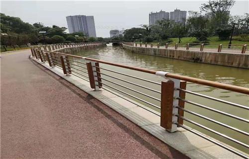 阳江优质的不锈钢桥梁防护栏杆产品详情