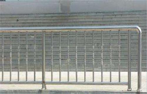 许昌不锈钢护栏厂家定尺切割
