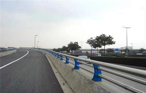 毕节304不锈钢复合管栏杆厂家质量保证