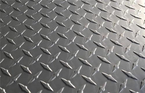 唐山q235b花纹板防滑钢板厂家值得信赖