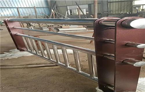 山西双金属复合管护栏厂家发货