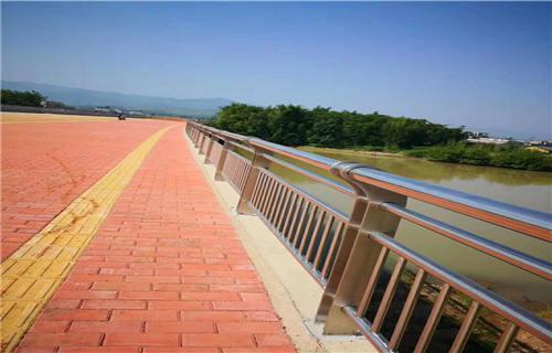 青海不锈钢碳素钢复合管桥梁栏杆厂家简介