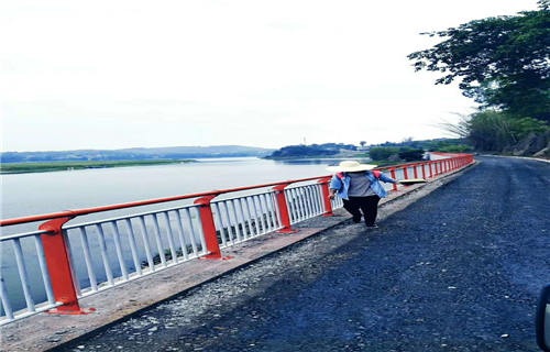 新疆不锈钢双金属复合管高铁护栏常规规格