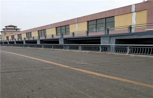 青海双金属复合管护栏生产厂家