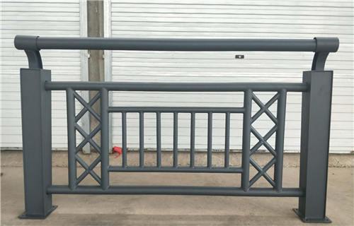 鄂尔多斯不锈钢碳素钢复合管公路护栏常规规格