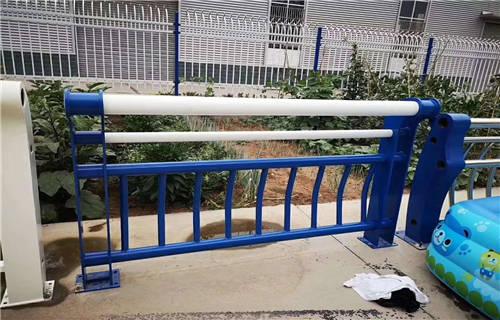 鹤壁不锈钢碳素钢复合管护栏订购