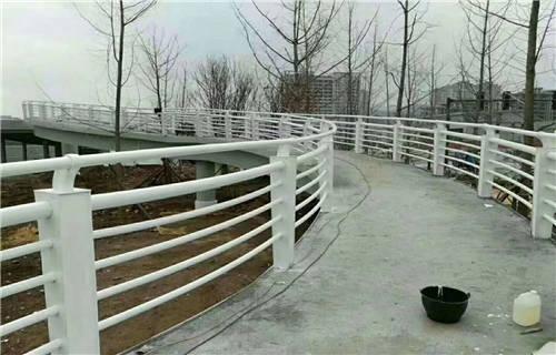 太原不锈钢双金属复合管轨道护栏在线订购