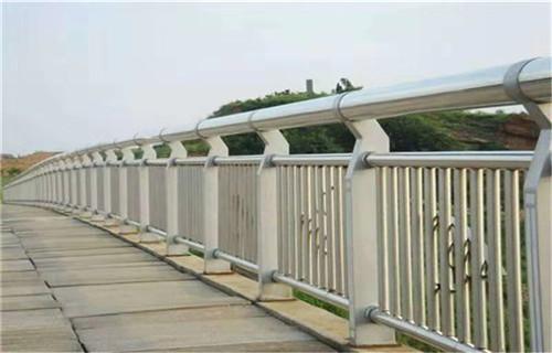 亳州桥梁护栏多少钱一米