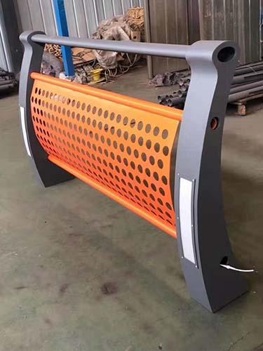 甘肅提供鋁合金燈光護欄廠家直銷易安裝
