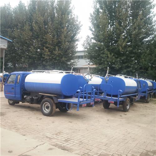 甘肅東風多功能遠程灑水車生產價格