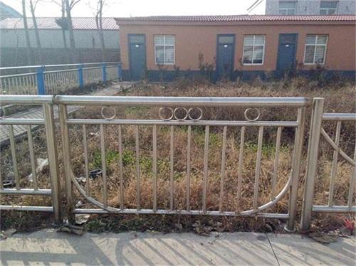 桂林201不锈钢复合管护栏多少钱一米