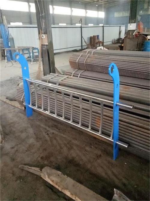 桂林道路交通隔离护栏来图定做