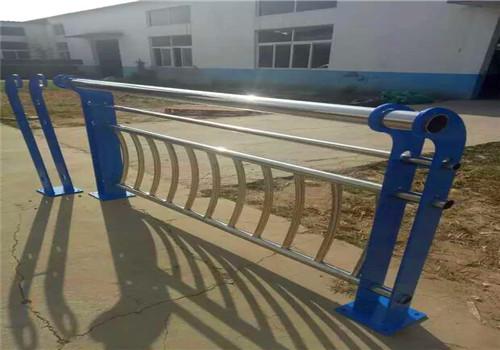 张家口不锈钢复合管护栏鑫海达护栏公司