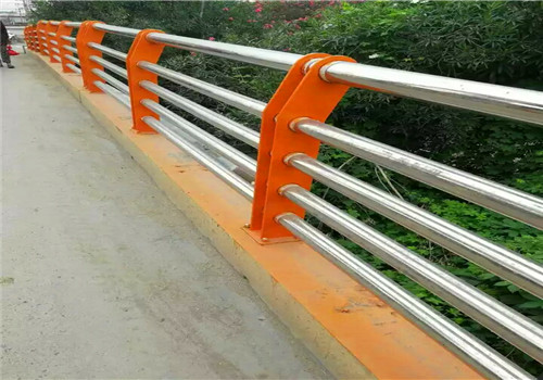 沧州不锈钢复合管桥梁防撞栏杆厂