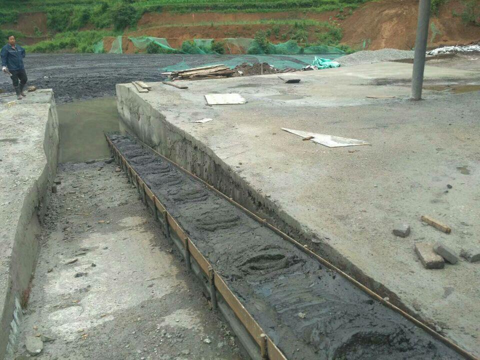 河道黑臭水体污泥治理建水土壤固化外加剂厂家